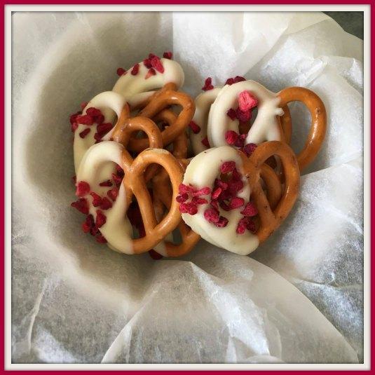 finished-pretzels-valentines-day
